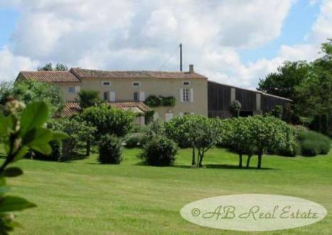 Maison de luxe à vendre MIREPOIX, 182 m², 3 Chambres, 525000€