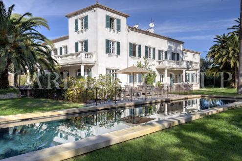 Luxus-Liegenschaft zu verkaufen ANTIBES, 480 m², 7 Schlafzimmer, 3200000€