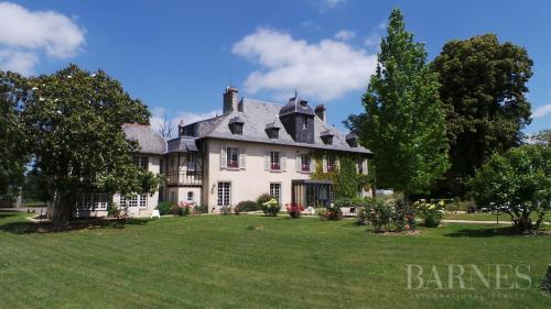 Luxus-Liegenschaft zu verkaufen RENNES, 832 m², 15 Schlafzimmer, 2120000€