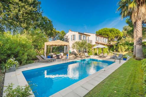 Villa de luxe à vendre SAINT TROPEZ, 200 m², 4 Chambres