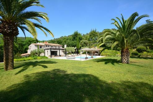 Luxus-Liegenschaft zu verkaufen MOUGINS, 255 m², 5 Schlafzimmer, 2250000€