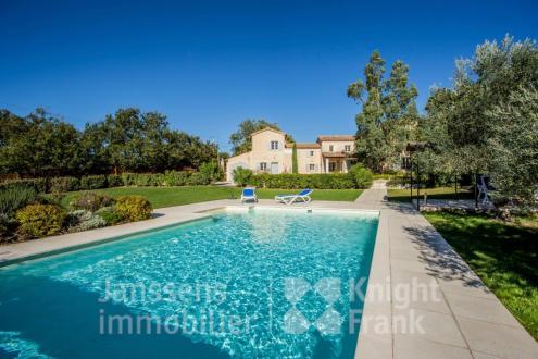 Вилла класса люкс на продажу  Лакост, 180 м², 4 Спальни, 1295000€