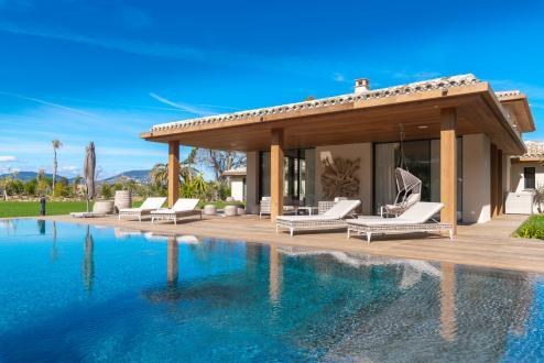 Maison de luxe à louer GASSIN, 450 m², 6 Chambres,