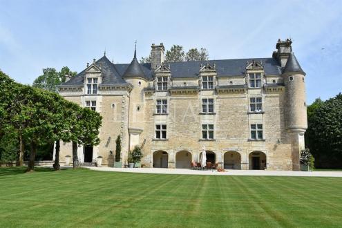 Luxus-Schloss / Herrenhaus zu verkaufen NIORT, 550 m², 5 Schlafzimmer, 2120000€