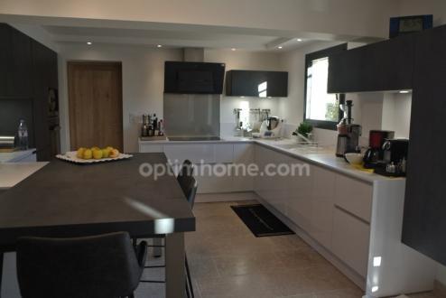 Luxus-Haus zu verkaufen MAUSSANE LES ALPILLES, 220 m², 4 Schlafzimmer, 1080000€