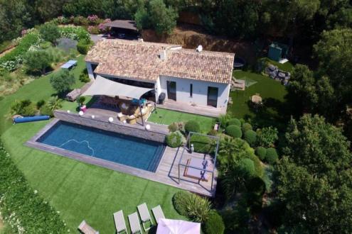 Villa di lusso in vendita GASSIN, 209 m², 4 Camere, 2450000€