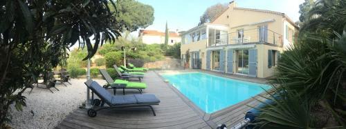 Maison de luxe à vendre GASSIN, 600 m², 15 Chambres, 4095000€