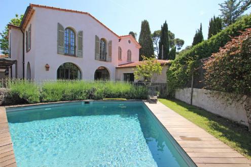 Casa di lusso in affito MOUGINS, 320 m², 5 Camere,