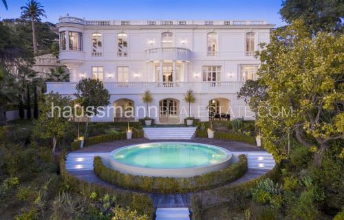 Вилла класса люкс на продажу  Канны, 963 м², 7 Спальни, 19000000€