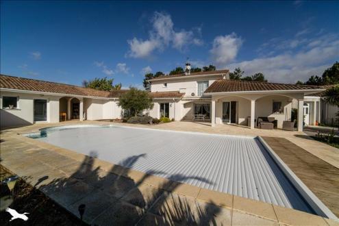 Maison de luxe à vendre SAINT JEAN DE MARSACQ, 292 m², 3 Chambres, 832000€