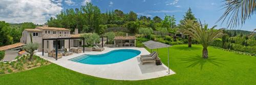 Luxury House for rent MOUGINS, 280 m², 5 Bedrooms,