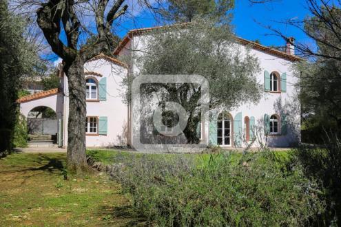 Luxus-Liegenschaft zu verkaufen GRASSE, 237 m², 4 Schlafzimmer, 1050000€