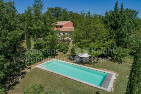Villa di lusso in vendita ROUSSILLON, 212 m², 4 Camere, 795000€