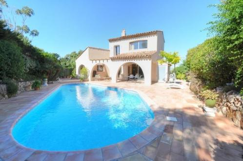 Villa de luxe à vendre SAINT RAPHAEL, 179 m², 4 Chambres, 1197000€