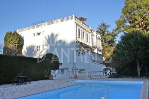 Квартира класса люкс на продажу  Кап д'Антиб, 140 м², 3 Спальни, 790000€