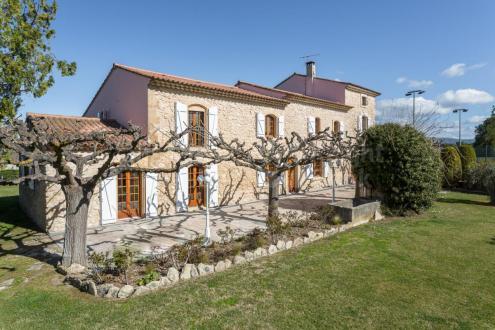 Luxus-Farm zu verkaufen L'ISLE SUR LA SORGUE, 340 m², 7 Schlafzimmer, 1090000€