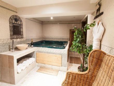 Chalet de luxe à louer VAL D'ISERE, 300 m², 7 Chambres,
