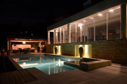 Maison de luxe à vendre VALBONNE, 306 m², 5 Chambres, 1600000€