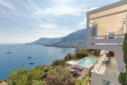 Villa de luxe à vendre ROQUEBRUNE CAP MARTIN, 350 m², 5 Chambres, 12900000€