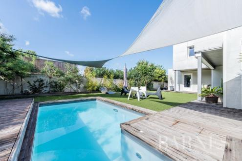 Maison de luxe à vendre MARSEILLE, 190 m², 4 Chambres, 945000€