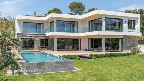 Casa di lusso in affito MOUGINS, 550 m², 5 Camere,