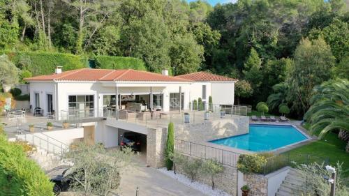 Luxus-Villa zu verkaufen MOUANS SARTOUX, 320 m², 1 Schlafzimmer, 2750000€