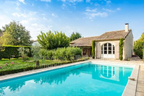 Luxury House for sale EYGALIERES, 128 m², 3 Bedrooms, € 585 000