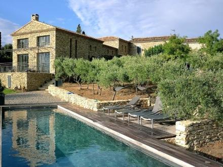 Luxury House for rent GORDES, 400 m², 3 Bedrooms,