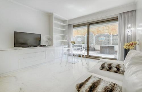 Квартира класса люкс на продажу  Монако, 62 м², 1 Спальни, 4200000€