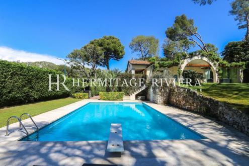 Maison de luxe à vendre SAINT JEAN CAP FERRAT, 220 m², 5 Chambres, 4500000€