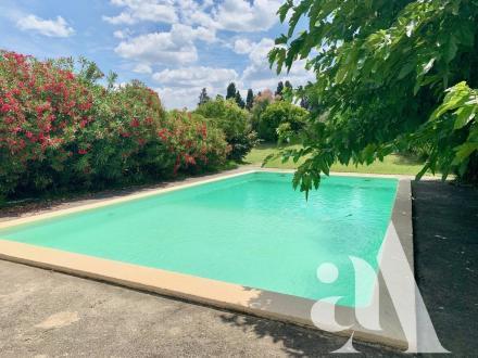 Maison de luxe à vendre EYRAGUES, 235 m², 4 Chambres, 1290000€