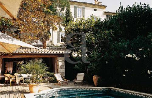 Maison de luxe à vendre NYONS, 10 Chambres, 1420000€