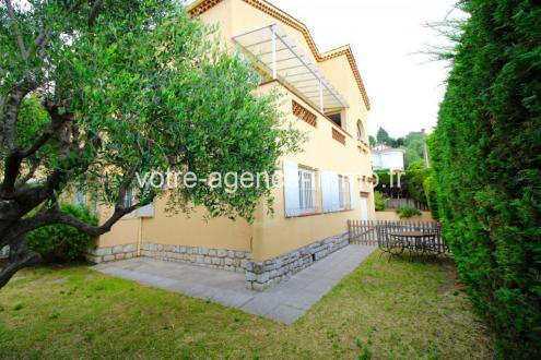 Casa di lusso in vendita Nizza, 210 m², 5 Camere, 890000€