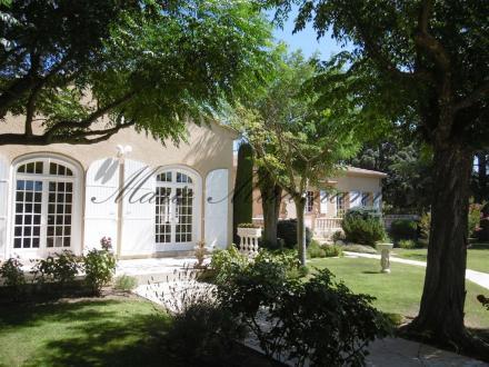 Villa de luxe à vendre VILLENEUVE LES AVIGNON, 350 m², 4 Chambres, 1190000€