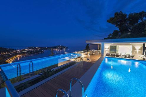 Дом класса люкс на продажу  Вильфранш-Сюр-Мер, 1000 м², 8 Спальни, 8000000€