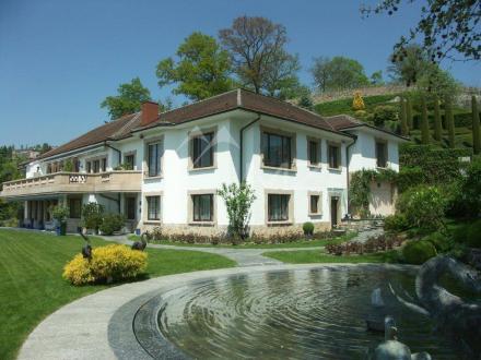Дом класса люкс на продажу  Лютри, 1200 м², 7 Спальни