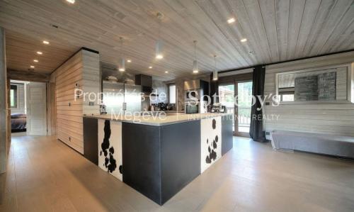 Chalet de luxe à louer MEGEVE, 300 m², 6 Chambres,