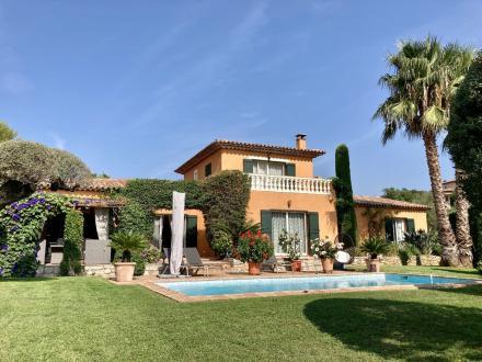 Luxus-Villa zu verkaufen SAINTE MAXIME, 220 m², 4 Schlafzimmer, 1390000€