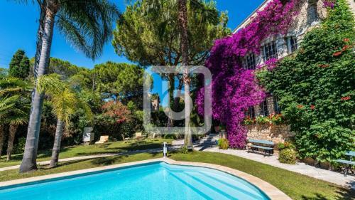 Luxus-Haus zu verkaufen ANTIBES, 400 m², 7 Schlafzimmer, 2670000€