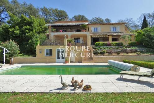 Maison de luxe à vendre LA GARDE FREINET, 250 m², 5 Chambres, 895000€