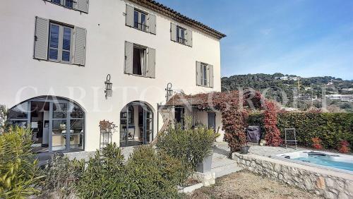 Luxus-Villa zu verkaufen LA COLLE SUR LOUP, 135 m², 3 Schlafzimmer, 795000€