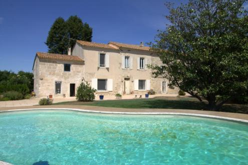 Luxury House for sale ARLES, 270 m², 5 Bedrooms, € 844 000