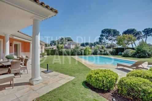 Luxury House for rent CAP D'ANTIBES, 160 m², 3 Bedrooms,
