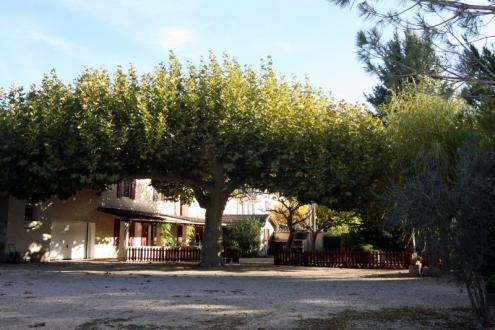 Proprietà di lusso in vendita LE THOR, 380 m², 9 Camere, 985000€