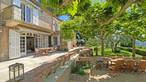 Luxury House for rent MOUGINS, 420 m², 6 Bedrooms,