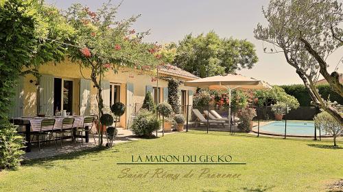 Maison de luxe à louer SAINT REMY DE PROVENCE, 160 m², 4 Chambres,
