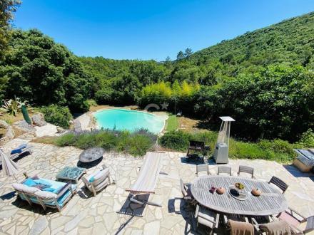 Villa de luxe à vendre BIOT, 300 m², 6 Chambres, 998000€