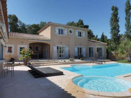 Luxury House for sale PERNES LES FONTAINES, 180 m², 5 Bedrooms, €670000