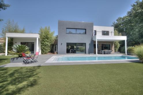 Maison de luxe à vendre FREJUS, 195 m², 4 Chambres, 1200000€