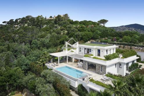 Вилла класса люкс на продажу  Сент-Максим, 279 м², 4 Спальни, 5800000€
